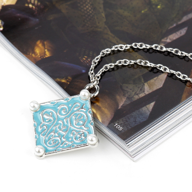 Game The Witcher 3 Triss Merigold Medallion Choker Necklace