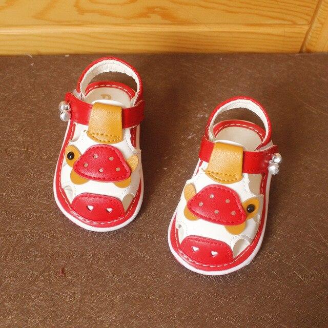 JRQIOT 2017 Новый Летний Детская Обувь Мультфильм Анимация Обувь Колокола Звук Обувь Девочки Баотоу Sandalias