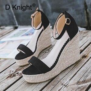 Image 4 - Sandalias de cuña de piel sintética para mujer, zapatos de tacón alto de piel sintética con punta abierta, cuñas de correa para el tobillo, color negro, talla 32 44