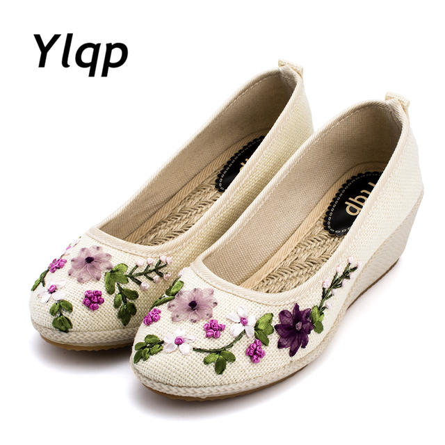 d1c2d2fc4e91 Women s Cloth Shoes Loafers Shoes Wedges Heel Linen Shoes Linen Women Flats  Embroidered Flowers Moccasins Shoes