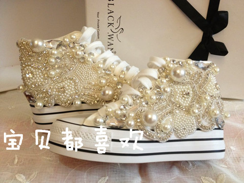 ФОТО Share in contrast increased handmade luxury diamond nail bead inside canvas shoes female han edition pearl flowers thick