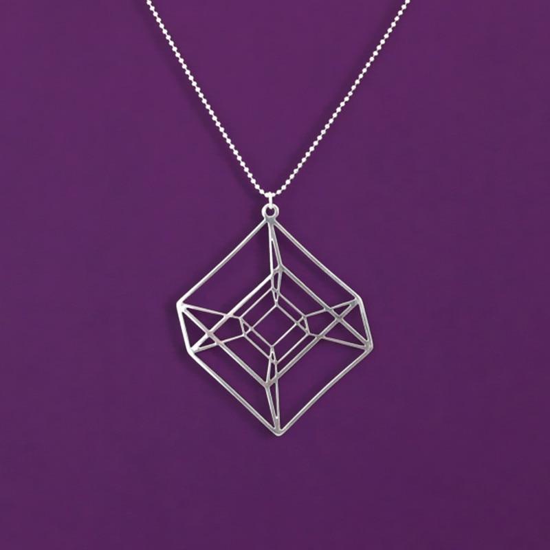Egy darab Hypercube - arany / ezüstözött geometriai nyaklánc - Tesseract - matematikai ajándék 50 cm-es lánccal