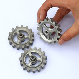 DIY Automatic revolving frame accessories gears can be used