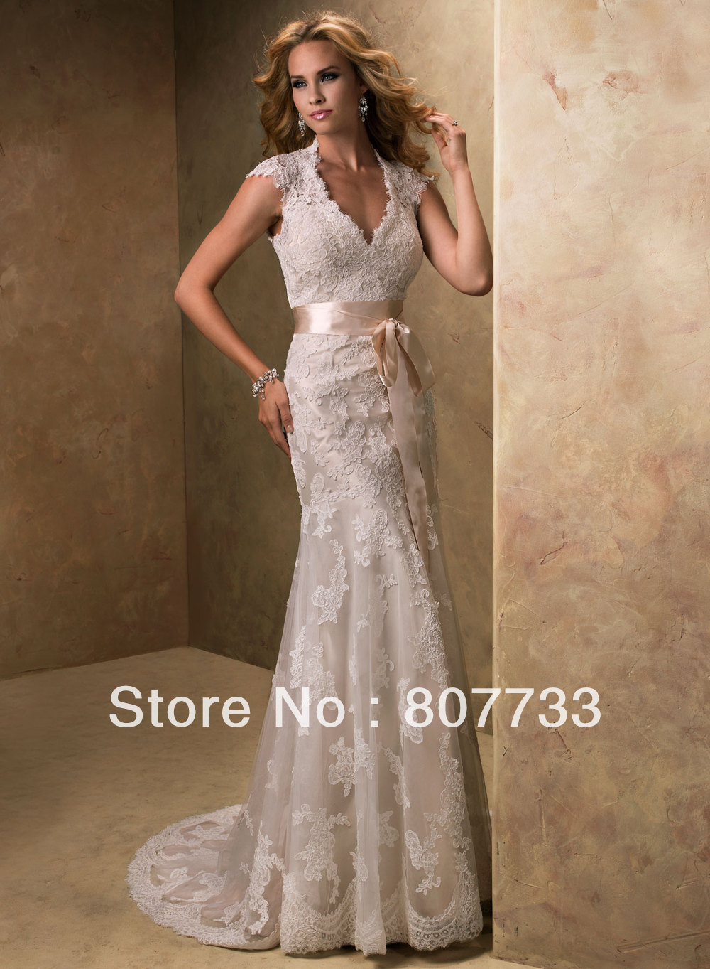 Tt82 Intricate Tiny Lace V Neck Backless Mermaid Wedding Dress In