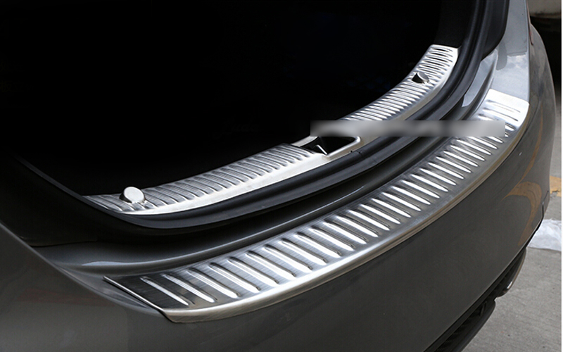Outer & Built-in rear bumper foot plate 2pcs stainless steel For Benz C class W205 2014 2015Outer & Built-in rear bumper foot plate 2pcs stainless steel For Benz C class W205 2014 2015