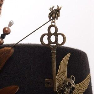 Image 3 - גבירותיי שחור נוצת נשים מגבעות לבד Steampunk Gears גברים מגבעת עם משקפי