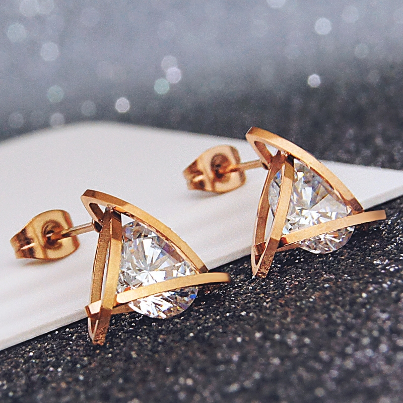 YUN RUO 2020 Rose Gold Color AAA Zirconia Triangle Stud Earring for Woman Girl Not Allergy 316L Stainless Steel Fashion Jewelry