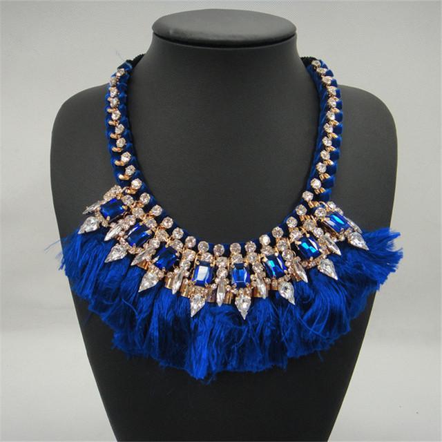 Nuevo Oro De Lujo de Múltiples Capas de La Borla de Cristal Colgante Collares Mujeres Maxi Gitano Grande Gargantilla Collar Llamativo de color Rojo Azul Negro