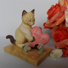 Free shipping Cute Cat and Mouse Love Figures Resin toys vivid Lifelike kitten pets cake car party office home decor lover gifts