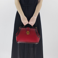 Doctor Bag 2017 New Messenger Bag Handbag Shoulder Lock Leather Handbag Simple Original Retro Oblique Cross