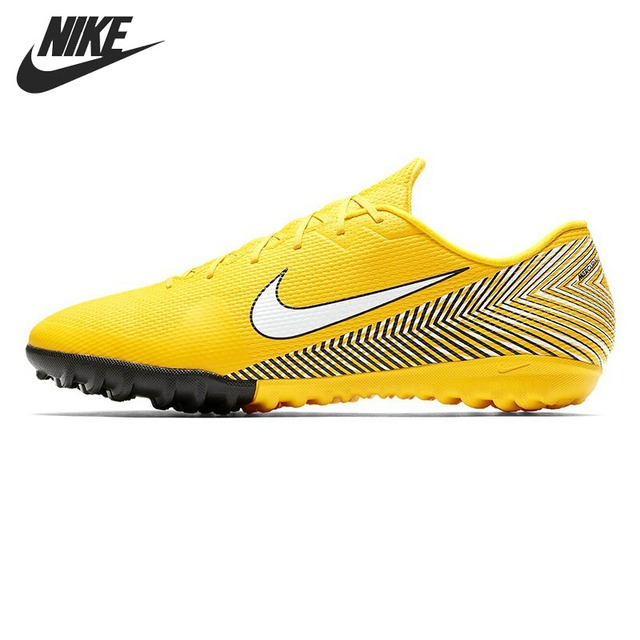 buy online 72cb4 ae52e Original New Arrival 2018 NIKE VAPOR 12 ACADEMY NJR TF Mens Football Shoes  Soccer Sneakers -in Soccer Shoes from Sports  Entertainment on  Aliexpress.com ...