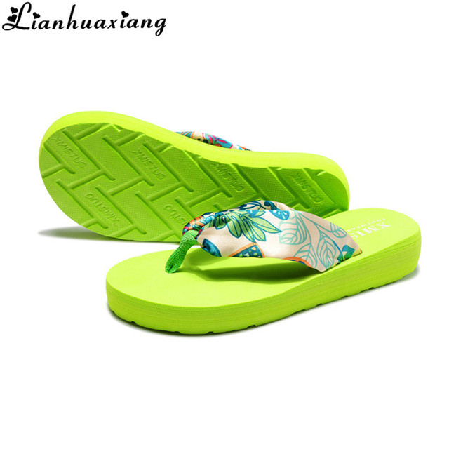 8150227c0a4c9e Beach Slippers New Summer Bohemian Satin Printing Hawaii Wedge Sandals Flip  Flops Women Florals Leopard Casual