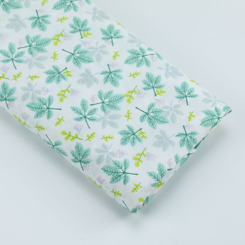 Green Leafs Flowers Plants 100/% cotton Black Fabric 160cm wide sewing patchwork