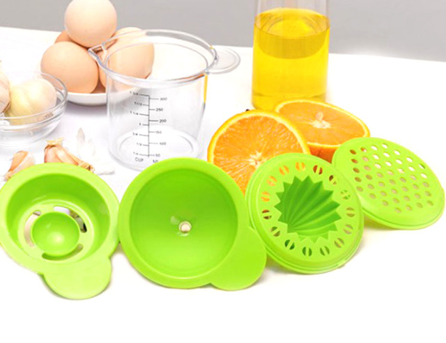Baby Food Mill with Measuring Cup