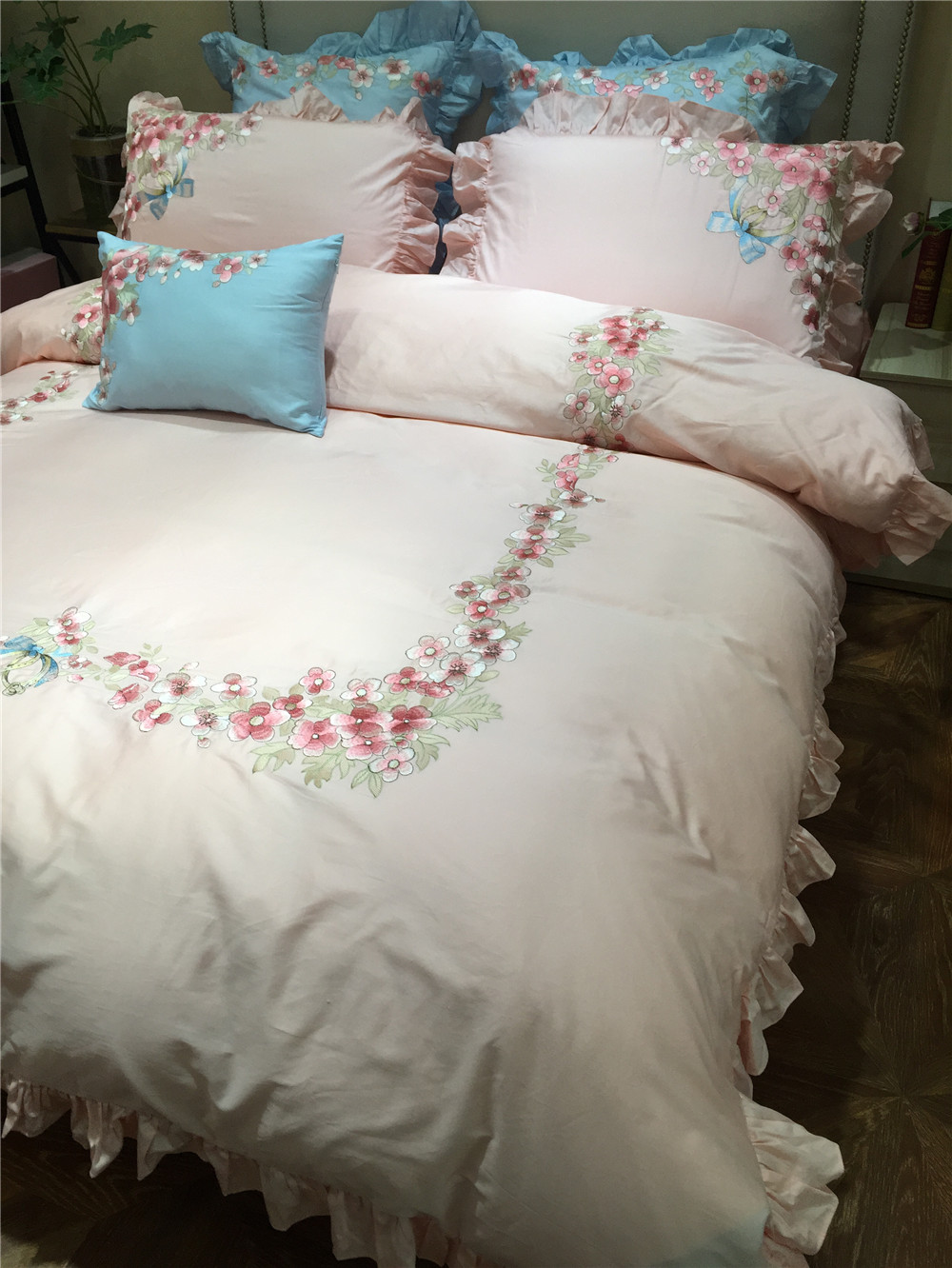 bedroom elegant duvets pink cover bed and awesome black of duvet light ideas