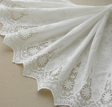 Bianco 100% Cotone Traforato Simmetria bilaterale Tessuto Del Merletto Del Ricamo Vestito Da Estate pelle-amichevole Morbido Tessuto di Pizzo RS712