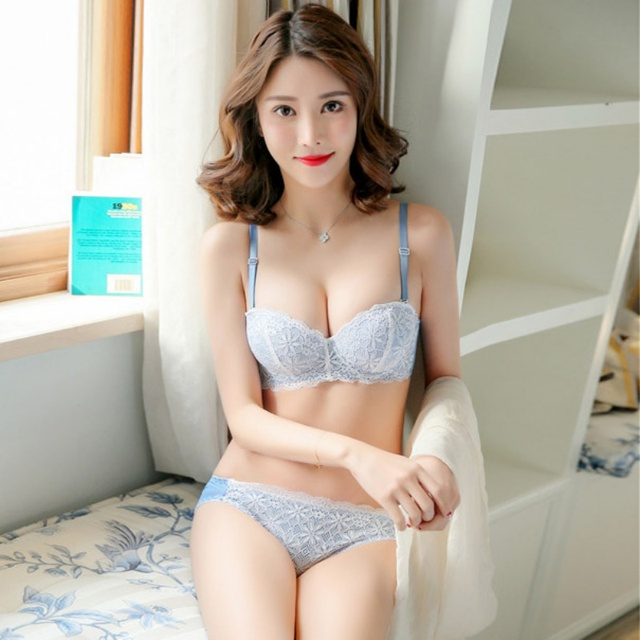 1d5a3036b4 Women Seamless Half Cup Lace Bra Small Breasts Sexy Back Closure Tow Hook  Underwear Push Up Bra Set D1