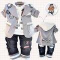 Oferta especial traje de tres piezas traje ropa de los niños conjunto pequeño abrigo de algodón T-shirt + pants del bebé / niño de tres piezas establece