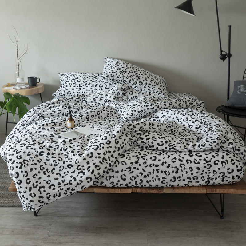 White Black 100%Cotton Bed sheet set Nordic Bedding Set TWIN QUEEN KING size Fitted sheet Duvet cover Bed set parrure de lit White Black 100%Cotton Bed sheet set Nordic Bedding Set TWIN QUEEN KING size Fitted sheet Duvet cover Bed set parrure de lit