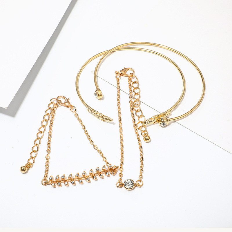 Cuteeco 4 Pcs set Women 39 s Fashion Exquisite Crystal Leaf Geometric Chain Gold Chain Bracelet Set Bohemian Vintage Jewelry Gifts in Chain amp Link Bracelets from Jewelry amp Accessories
