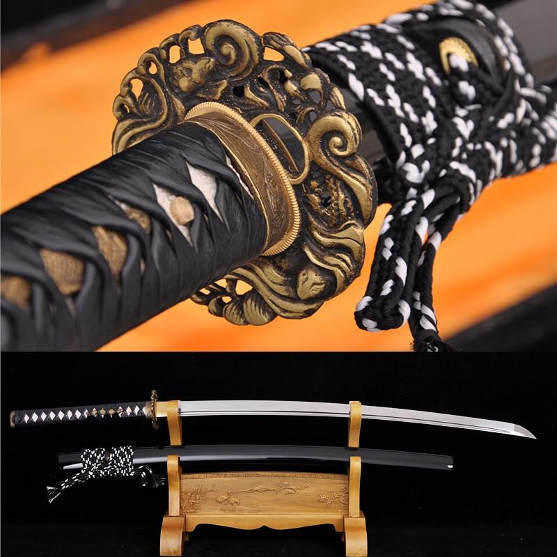 Ručně kovaný skládací ocelový nůž DAMASCUS Japonský samurajský kapr Tsuba Meč Katana