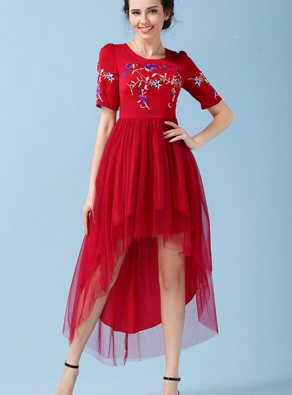 91f0ffa9b شحن مجاني حزب الملكة الساخن بيع الأزياء جولة طوق زهرة التطريز قصيرة الأكمام  غير النظامية الشاش فستان طويل الأحمر
