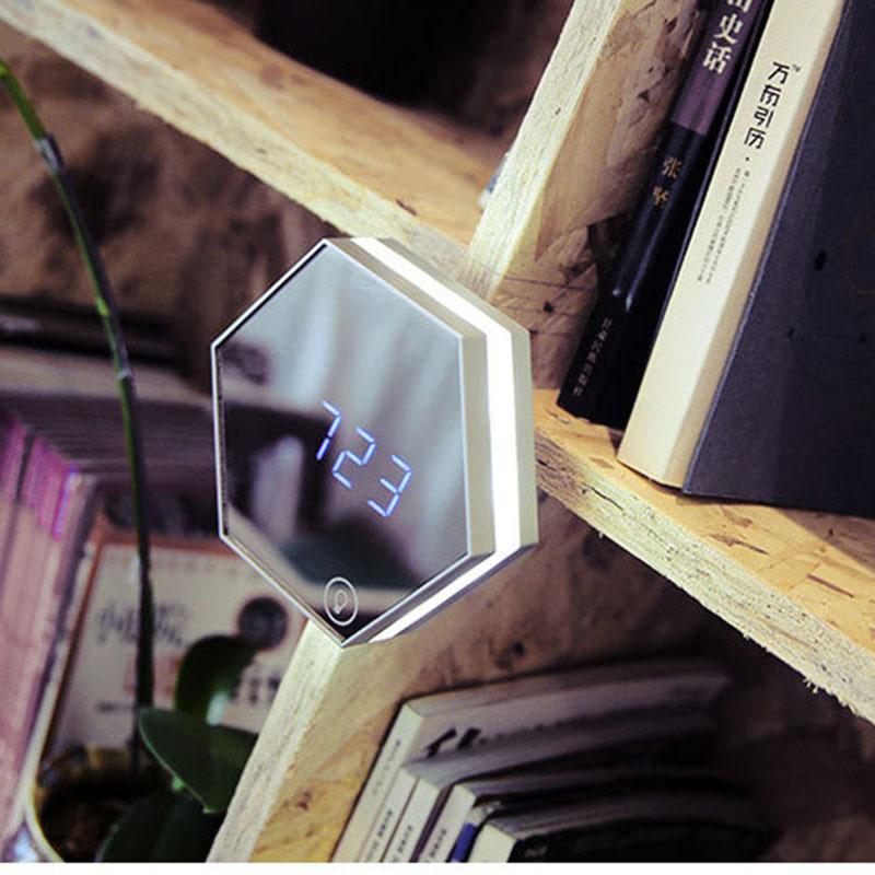 Multifunctional Night Light Stepless Dimming Time Temperature Display Makeup Mirror SLC88