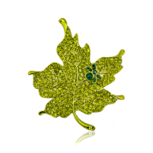 New Fashion Multi Color Crystal Rhinestone Maple Leaf Brooch Pin Plant Costume Jewelry For Women