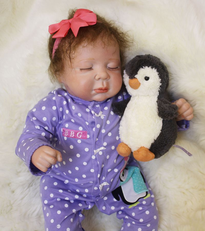 Fashion reborn babies girl doll toys 2050cm silicone doll reborn with penguin plush doll child bebe gift reborn bonecasFashion reborn babies girl doll toys 2050cm silicone doll reborn with penguin plush doll child bebe gift reborn bonecas