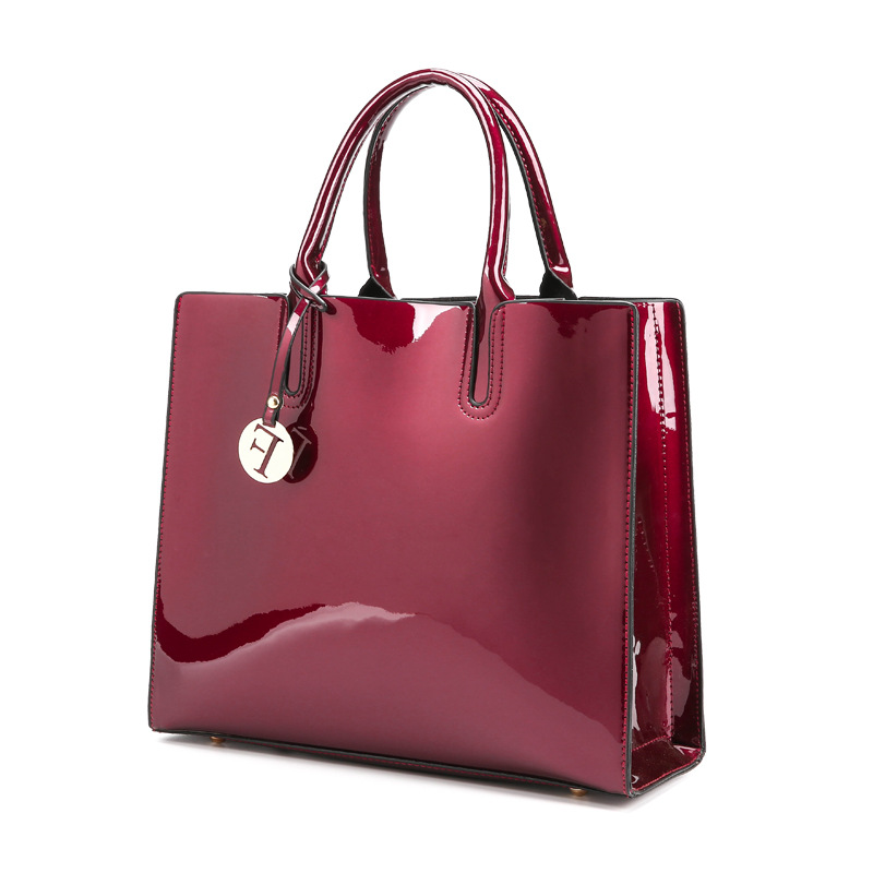 a35f3a8f2406 Black Red Patent Leather Tote Bag Handbags Women Famous Brands Ladies  Lacquered Bag Chic Handbag For Women Shoulder Bag-in Shoulder Bags from  Luggage   Bags ...