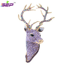 Rhinestone Reindeer Deer Head Brooch Pins Free shipping Christmas Brooches Women Jewelry Accessories FA3181
