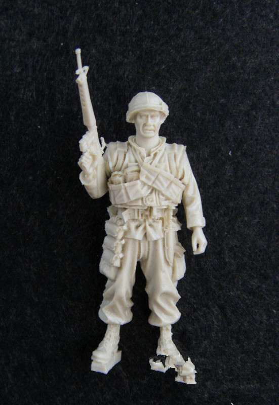 pre order-(General quality version) 135 resin model of the U.S. Army resin soldiers pre order general quality version pinup savior resin model kit