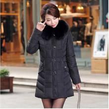 Новый 2016 зима теплая густой мех воротника Ватные куртки тонкий женщин среднего возраста С Капюшоном С длинным плюс размер 5XL куртки хлопка пальто AE909