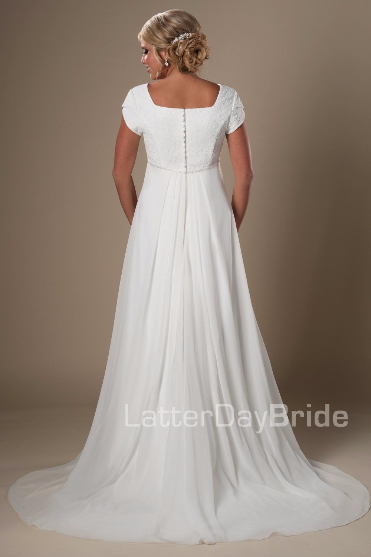 2019 Informal Beach Modest Wedding Dresses Short Sleeves Lace