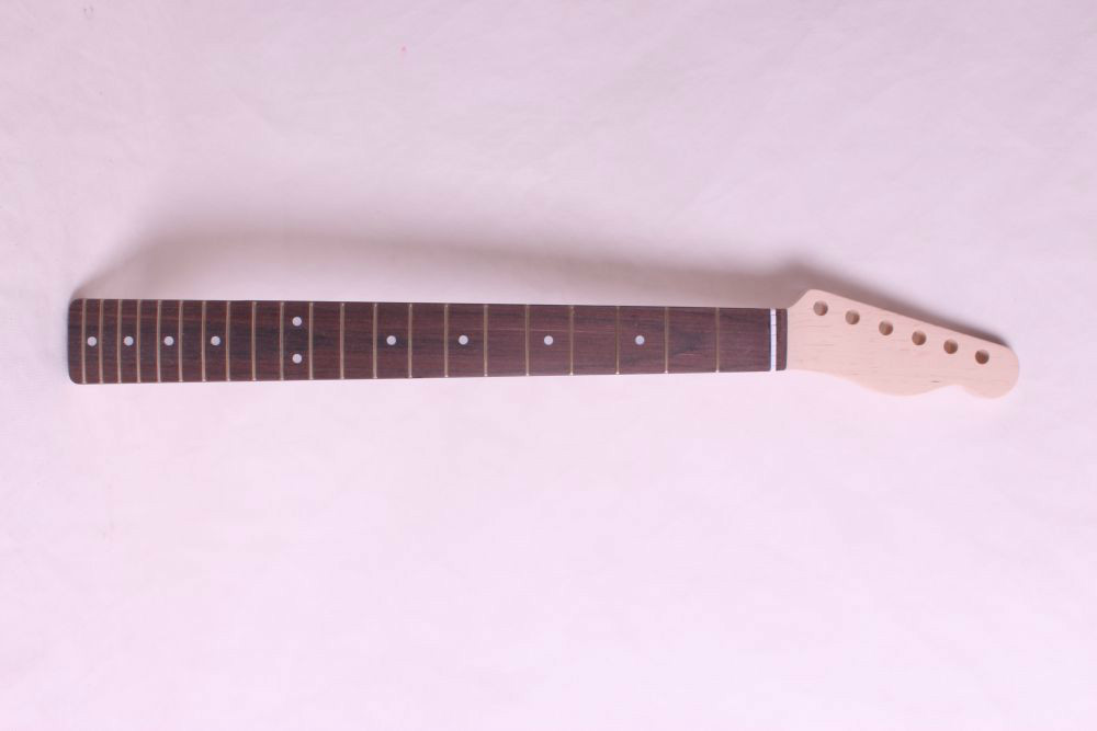 21 frets holt on One electric guitar neck maple wood and rose wood fingerboard 267# 44 mm nut width heel 56-57 mm width black color 24 frets holt on one electric guitar neck mahogany wood and rosewood fingerboard 171