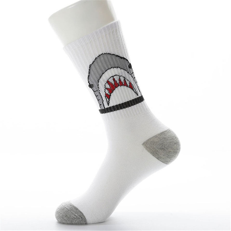 Men-casual-cotton-socks-cartoon-shark-fashion-hiphop-style-New-Women-socks-skateboard-sporty-korea-Animal.jpg_640x640 (1)
