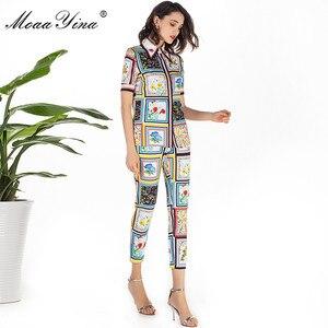 Image 2 - MoaaYina Mode Designer Set Sommer Frauen kurzarm drehen unten Kragen Perlen Floral Print Elegante Tops + 3/4 Bleistift hosen Set