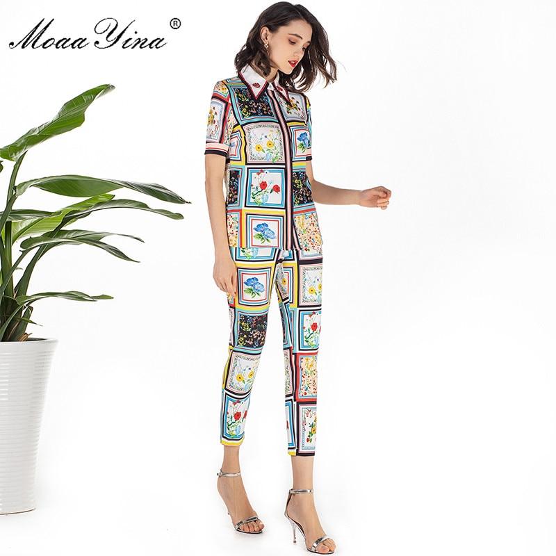 Image 2 - MoaaYina модельер летний комплект Для женщин с коротким рукавом отложной воротник Бисер Цветочный принт элегантные топы + 3/4 карандаш Штаны комплектСпортивные костюмы   -