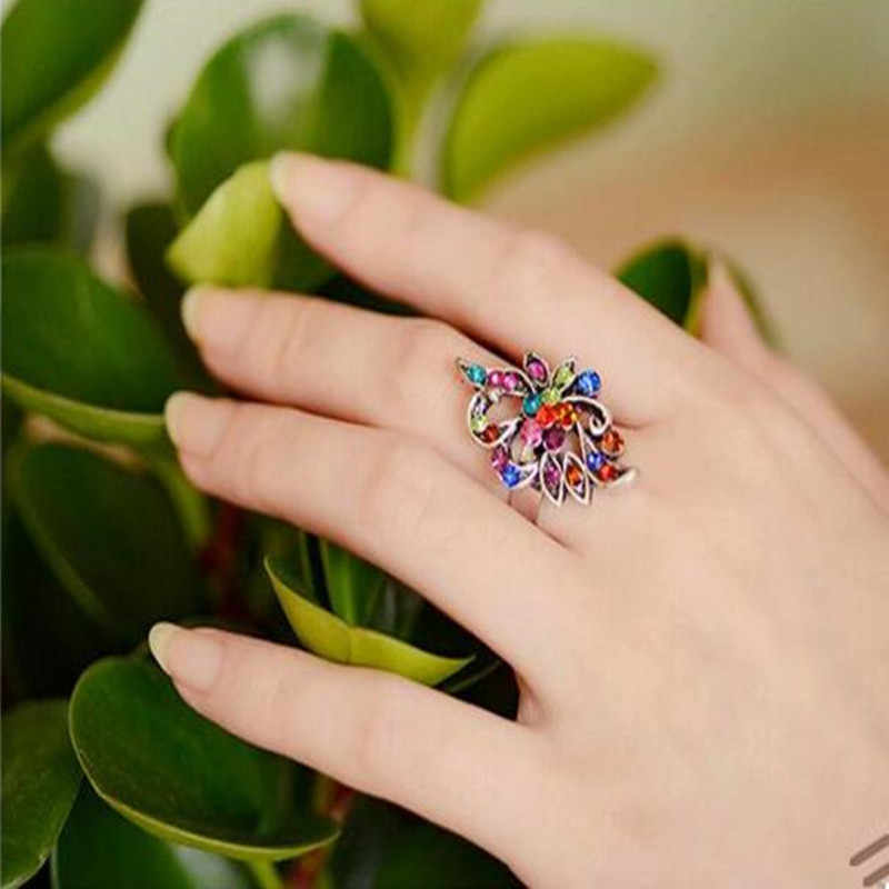 2019 Hot Ring Color imitation crystal peacock butterfly ring tide three-dimensional hollow retro index finger jewelry for woman