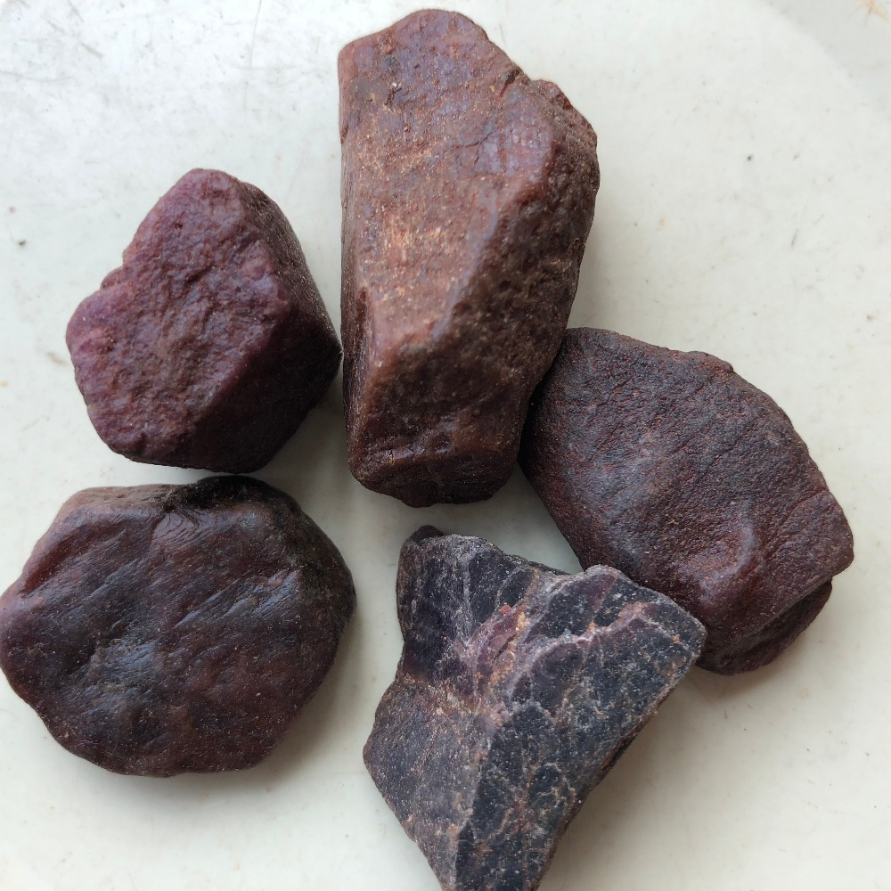 100G BIG SIZ MADAGASCAR RED CORUNDUM WHOLESALE PRICE FREE SHIPPING JEWELRY RAW MATERIALS