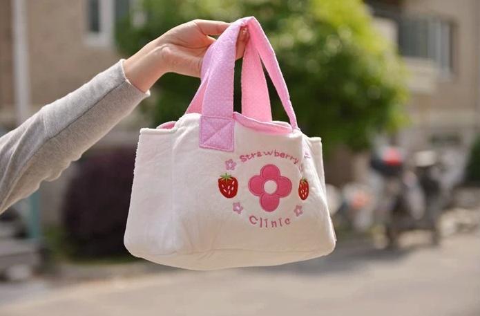 Besorgt Freies Verschiffen Scherzt Hölzerne Simulation Spielen Spielzeug, Japanischen Erdbeeren Medizin Schrank Serie, Lernen Und Bildung Baby Spielzeug Angenehm Zu Schmecken