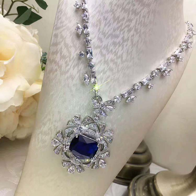 Luxury 925 Sterling Silver Rhinestone Torques For Women Big Crystal Pendant Necklace Silver Plated Banquet Costume Necklace 925 silver plated flower necklace