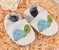 Симпатичные черепаха обувь Genunie кожа предварительно ходьбы обувь Белый цвет Красочный Черепаха малыш обувь baby girl обувь