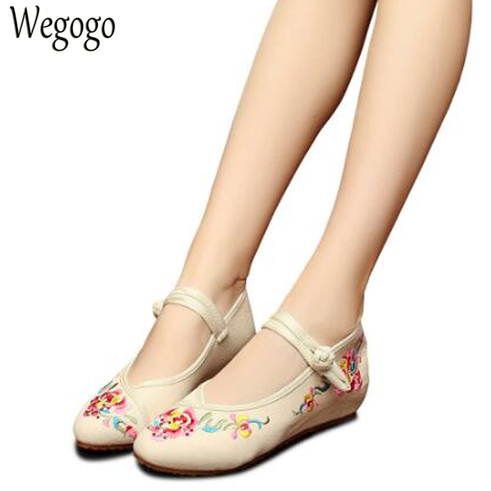 New Chinese Embroidery Flats Elegant Woman Pointed Toe Rhinestone Old Beijing Canvas Embroidered Dance Single Shoes Size 34-41 new chinese women flats old beijing cloth embroidery shoes retro national floral embroidered dance soft canvas single shoes