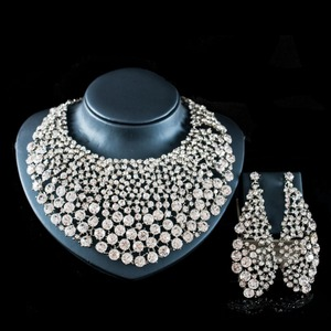 Image 5 - LAN 宮殿新ファッションブライダルネックレスマリアージュナイジェリアパーティーゴールドセットインドためのネックレスとイヤリングジュエリー送料無料