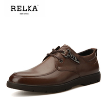 Купить с кэшбэком RELKA Vintage Men Shoes High Quality Genuine Leather Solid Round Toe Soft Heel Shoes Classic Lace-up Fashion Casual Men Shoes N3