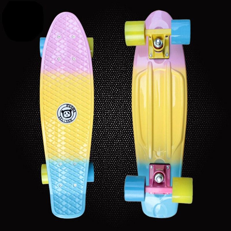 Nouveau 22 polegada en plastique Mini Cruiser planche à roulettes longue planche banane rétro Skate Longboard graphique imprimé enfants scooter PN11