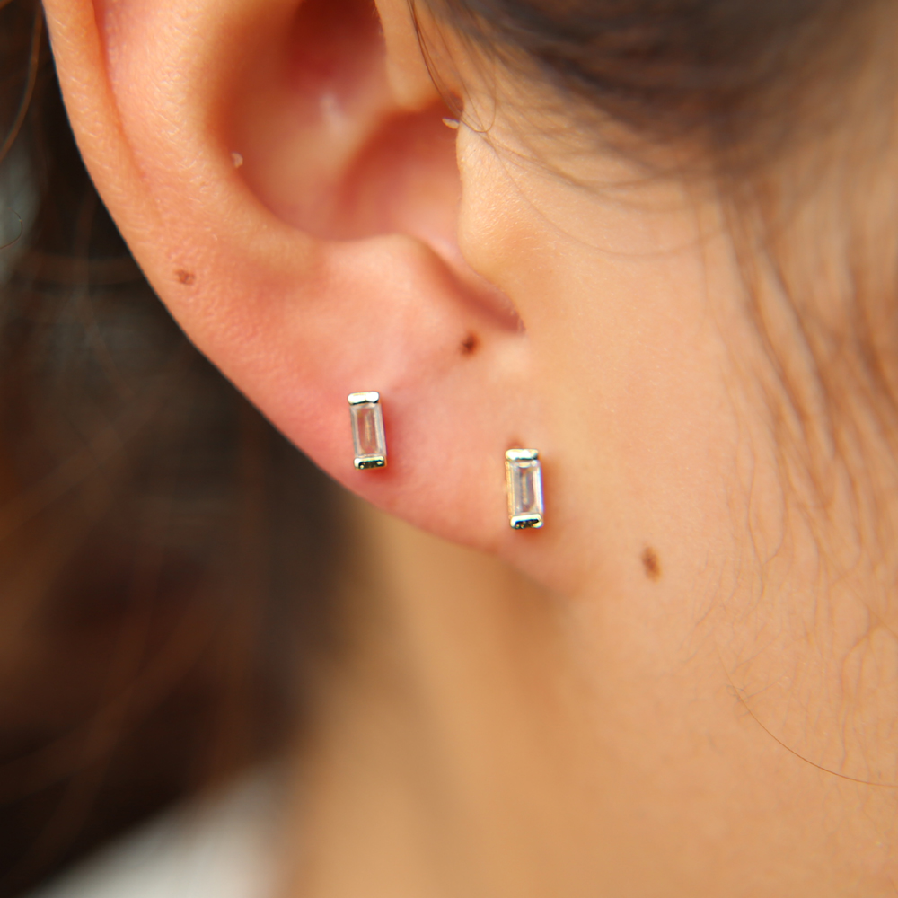 tiny delicate gold color girl jewelry single stone baguette cubic zirconia studs 2*4mm CZ zirconia minimalist earring