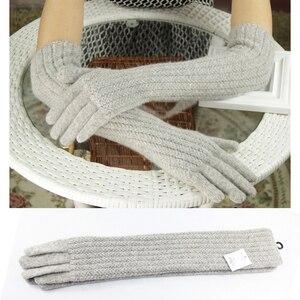Image 2 - Guantes de lana de 45cm de largo para mujer, cálido tejido para invierno, modernos, negro, marrón, gris, codo, 2019