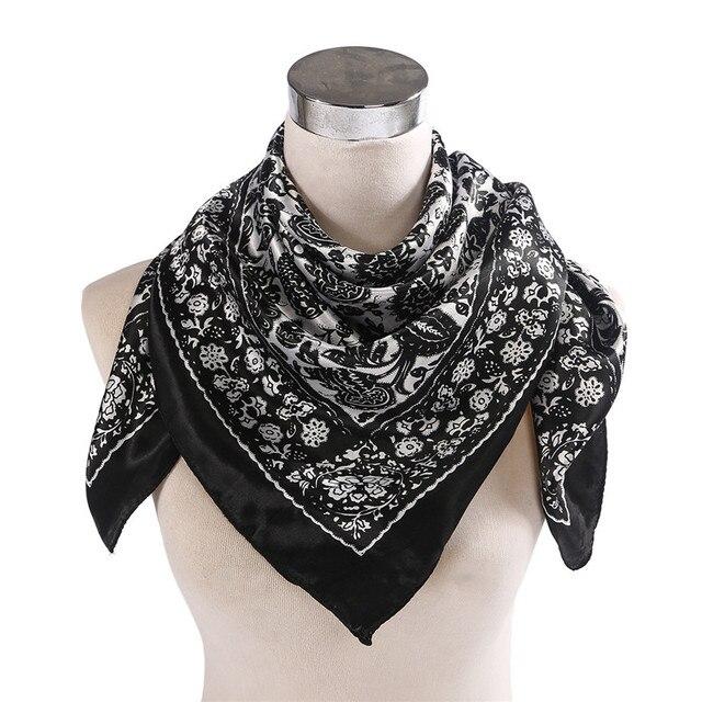 Mode bandana moto turban hijab bandanas chapeaux femmes écharpe fleur  floral Foulard foulards En Soie satin 2e59a4caf8e